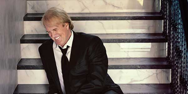 JOHN TESH - ACOUSTIC CHRISTMAS (Torrance Cultural Arts Foundation: Guest Artists Series)